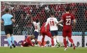 凯恩破门斯特林造2球 英格兰2-1丹麦进决赛